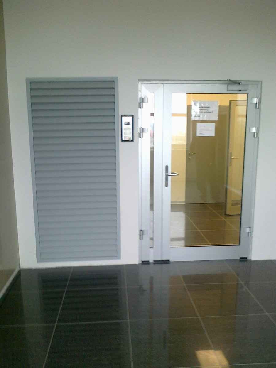 Hliníkové vchodové a interiérové dveře | 900 x 1200 jpeg 153kB